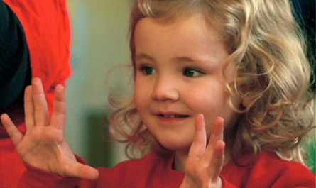 deaf_parents_deaf_children_article_charlie_daughter