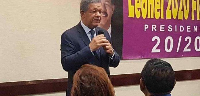 Leonel Fernández pide a seguidores ganaron candidaturas seguir en el PLD