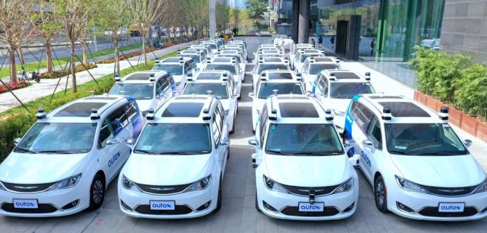 China estrena primeros taxis totalmente robóticos