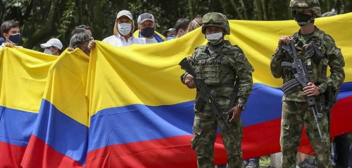 Iván Duque ordena militarización completa de Colombia