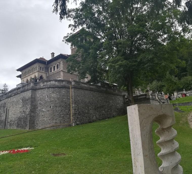 Despre Castelul Cantacuzino și-o fugă până la Babe