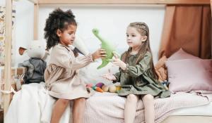 recunoștința și generozitatea la copii Lulu și cadourile încarcate cu iubire