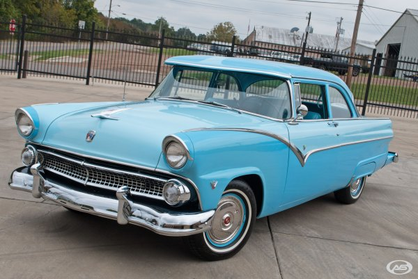 1955 Ford Fairlane Art & Speed Classic Car In