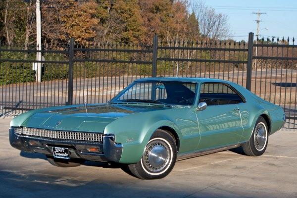 1967 Oldsmobile Toronado Art & Speed Classic Car