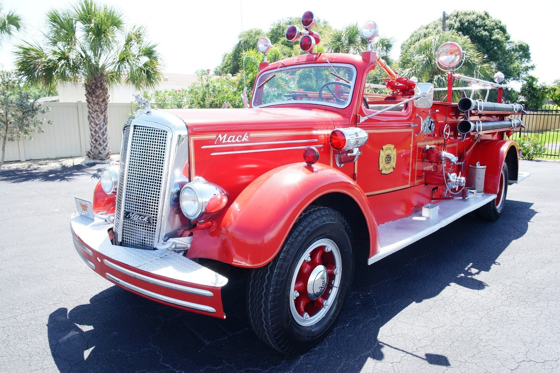 hight resolution of 1499b85cc5a2 low res 1943 mack model 505 fire truck