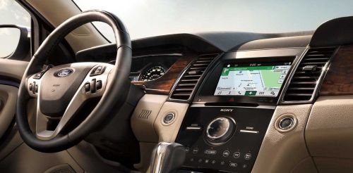 small resolution of interior of the 2018 ford taurus