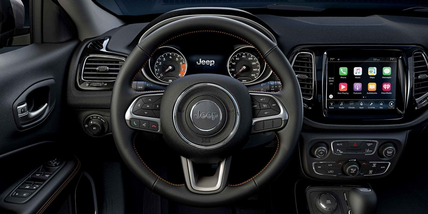 hight resolution of steering wheel in the jeep compass