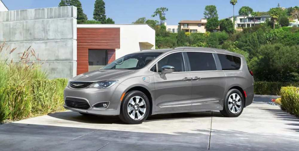 medium resolution of the l trim is slated to receive 17 inch steel wheels a push start button electronic parking brake and the same ample and smart storage you get in the