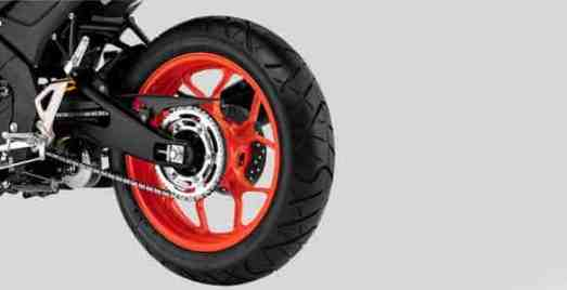 MT-15-Tubeless-Wide-Tire