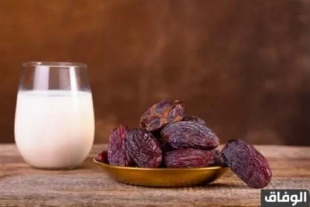 فوائد منقوع تمر رمضان مع الحليب والعسل للرجال وزيادة الوزن