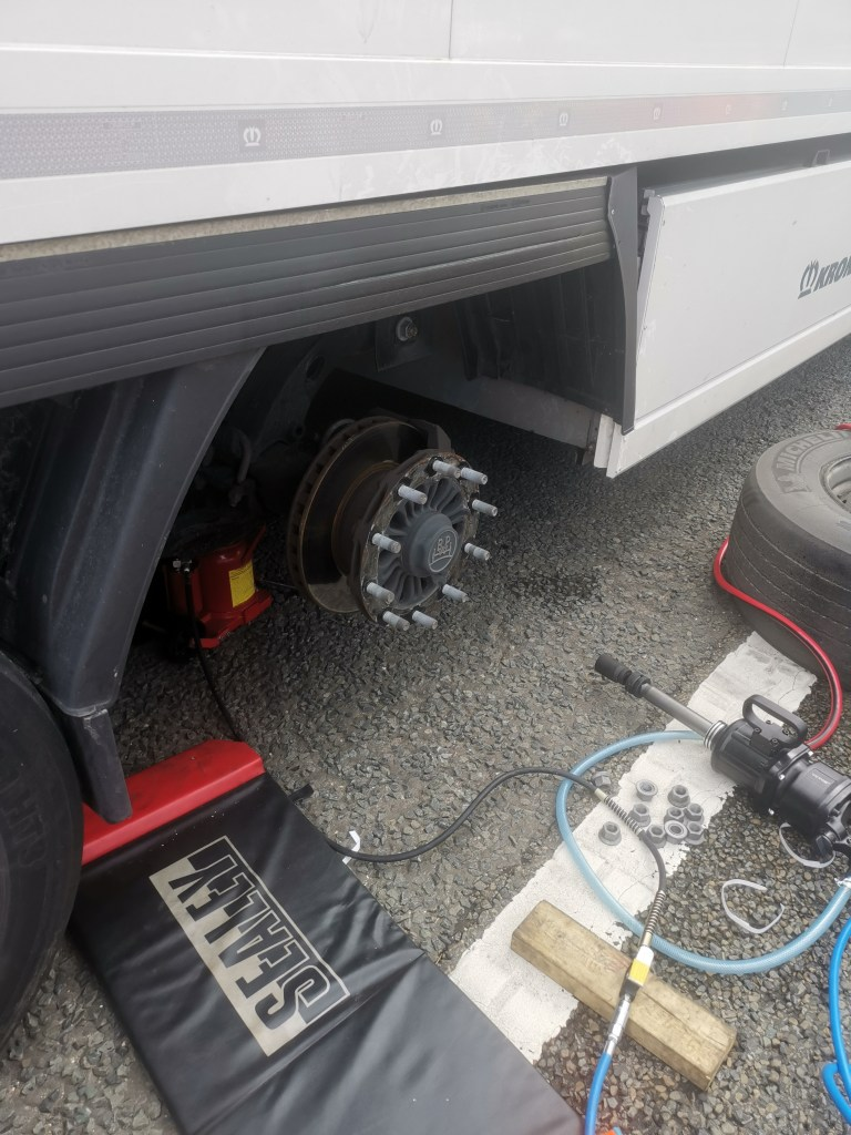 Dealz4real HGV Tyres 28