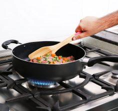 11 Inch Nonstick Deep Frying Pan - 4.6 Quart Sauté Pan 1