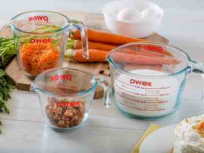 Amazon: Three Pyrex Glass Measuring Cups for $15.23!