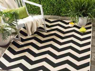 Walmart: Safavieh Courtyard Bailey Chevron Indoor/Outdoor Area Rug $17.93-$212.99
