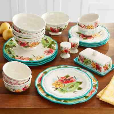Walmart: The Pioneer Woman Dinnerware Set, Vintage Bloom, 20 Pieces Just $45.29 At (Reg.$68.08)