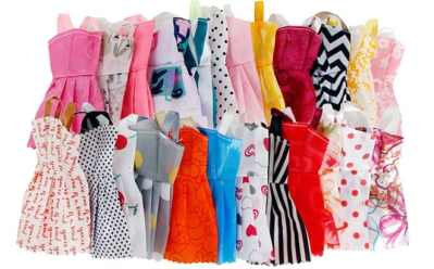 Walmart: Clothes & Accessories for Barbie Dolls 32 Count ONLY $8.99 (Reg $40)