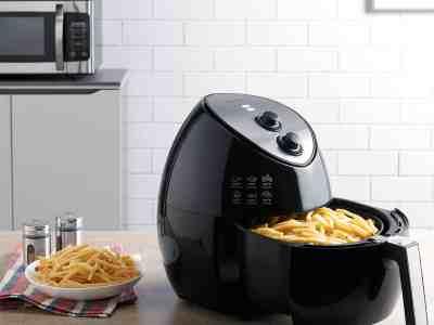 Walmart: Farberware 3.2 Quart Oil-Less Multi-Functional Air Fryer, Black only $49.88 (Reg. $99.00)