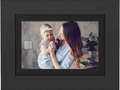 """BESTBUY:SimplySmart Home - PhotoShare Friends and Family Smart Frame 10"""" BK For $89.99 At Reg.$119.99"""