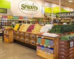 Sprouts: Free grocery pickup all summer!