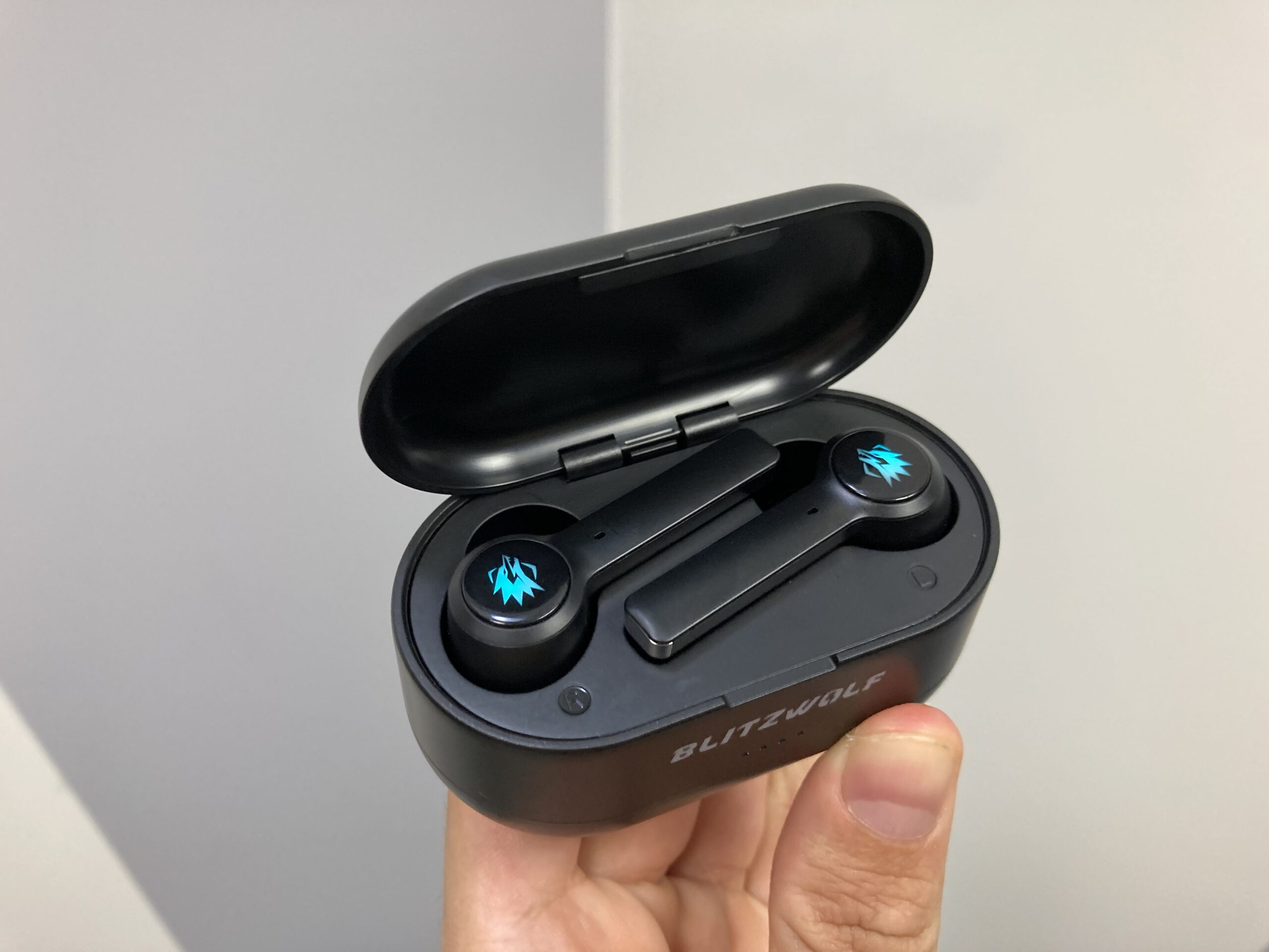 The Blitzwolf BW-FLB2: Review