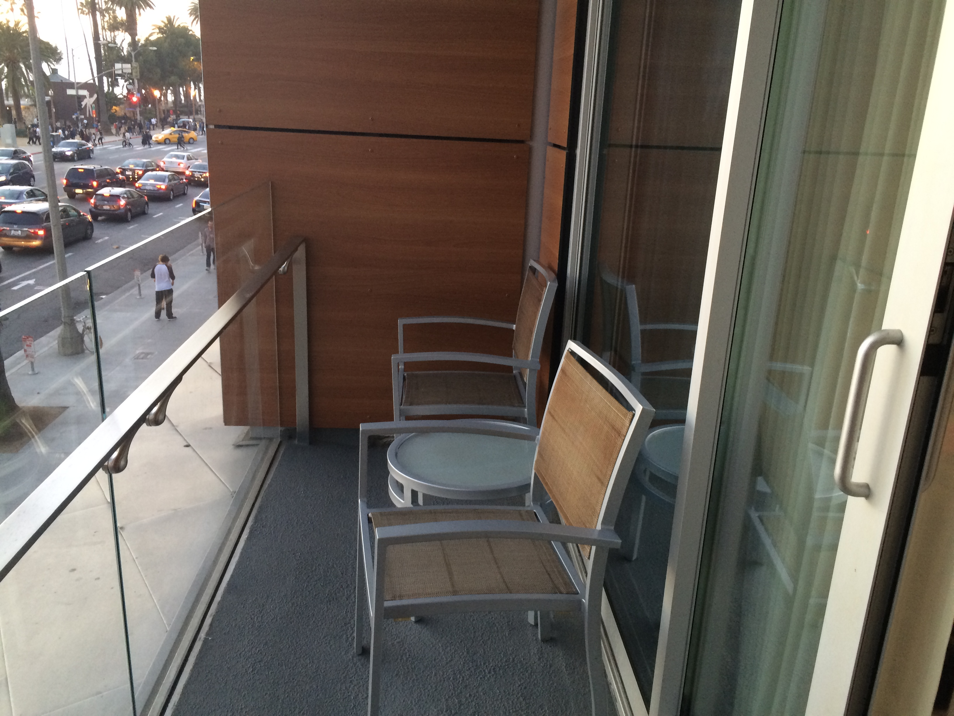 rooms to go santa monica sofa reviews design within reach sleeper two night stay at the shore hotel in deals