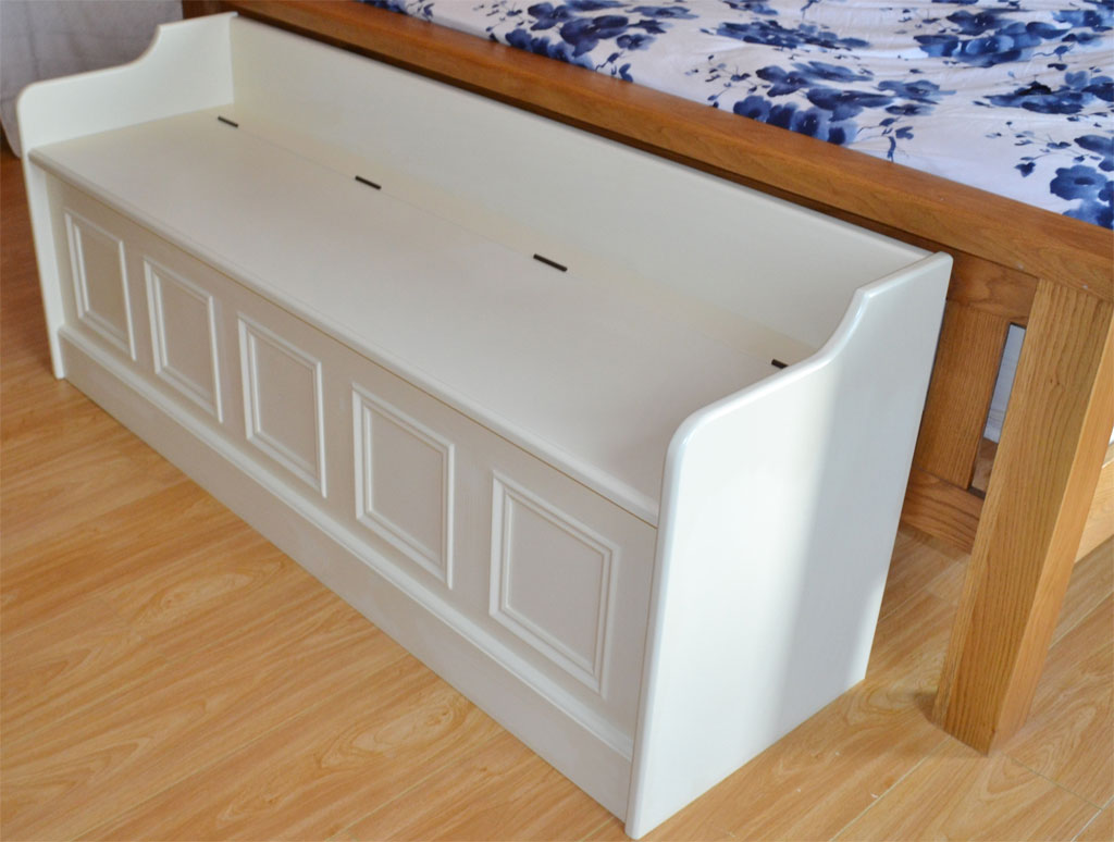 Deanery Low Bed End Monks Bench With Hand Painted Finish