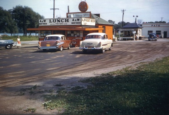 Southside A&W, 1958 - photo by Ardy & Ed's Drive-In