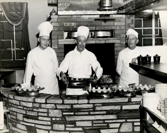 Clearman's Steak 'n Stein chefs, 1946