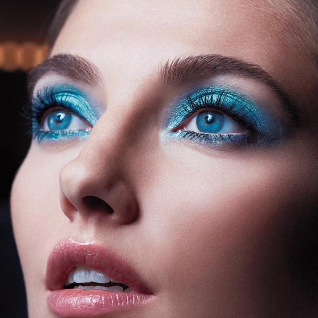 Avon's Extra Lasting Eyeshadow Ink