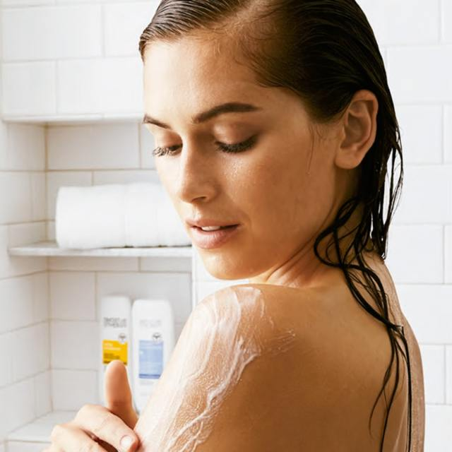 Avon Moisture Therapy In Shower Body Lotion