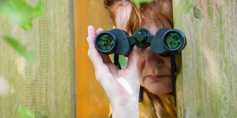 best binoculars for peeping and spying apartments
