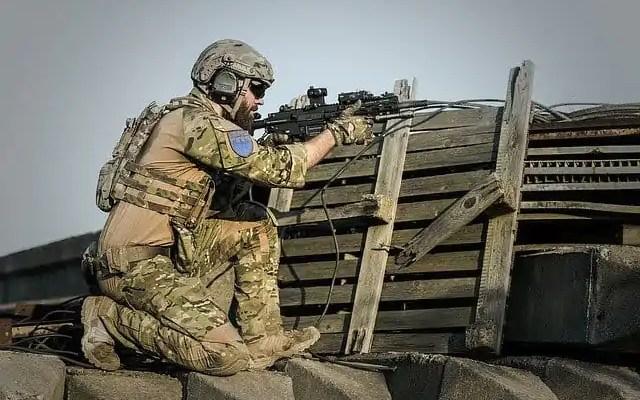 Military spotting scopes