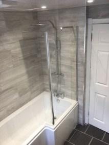 New bathroom Sedbergh - L-shaped bath installed
