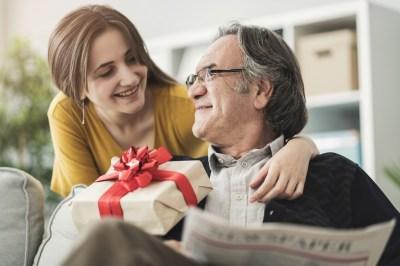 お父さんいつもありがとう!父の日に喜ばれるプレゼント50選