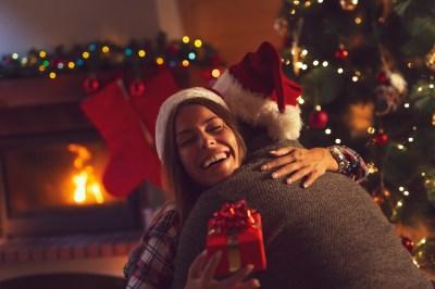 今年の「クリスマスプレゼント」はこれに決まり!女性が喜ぶブランドアイテム15選