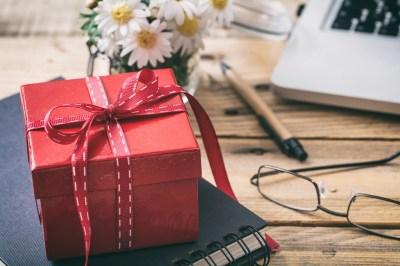 意外性のあるプレゼント!笑える・驚くユニークな雑貨50選+失敗例3選