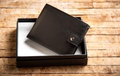 20代男性が喜ぶ財布はこれ!価格別おすすめメンズブランド15選