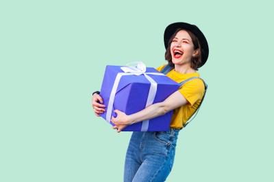 【14歳】中学生女子が本当に喜ぶ誕生日プレゼントはこれ!予算別アイディア15選