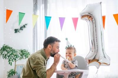 1歳の男の子へ誕生日におすすめのプレゼント50選!選び方や予算は?