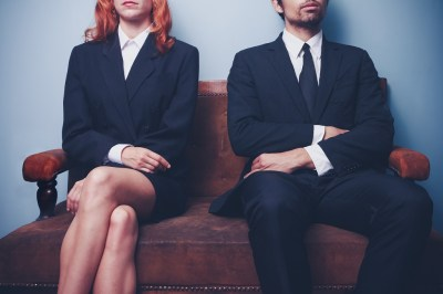 どうふるまえば良いの?職場恋愛で振られた後の対応3選