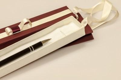 男性へのプレゼントにおすすめのブランドボールペン15選。予算別ランキング