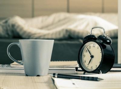 誕生日プレゼントや就職・就学祝いに!毎日朝が楽しくなる!キュートでおしゃれな目覚まし時計プレゼント15選