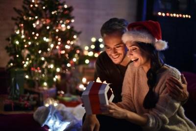 【クリスマスや記念日に】夫婦でプレゼントを贈り合おう
