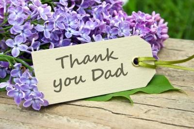 【大切な家族へ日頃の感謝を込めて】プレゼントと一緒に贈るメッセージ特集