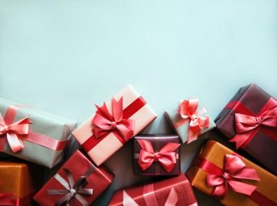 【女性同士】大切な友達が喜ぶアクセサリーのプレゼント50選と、その贈り方