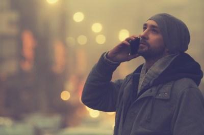 気になる彼から電話が!喜んでいいの?電話をかけてくる男の心理とは