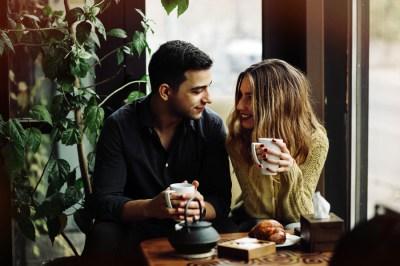 【重く考えすぎ?】女性から男性をデートに誘うコツとは?