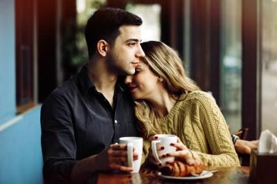 【恋愛に奥手になってたけど…】片思いが成就した男性に聞く!出会いや告白のアドバイス