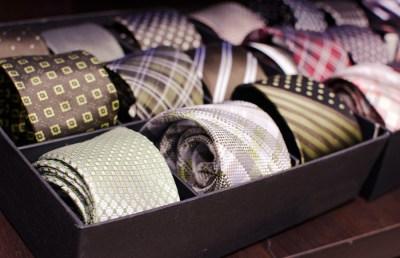 社会人の彼氏へ、ネクタイの誕生日プレゼントを贈ろう!選び方とおすすめブランド18選