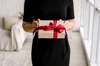 20代社会人の彼氏に贈る。大人の男性に一歩近付くプレゼント15選